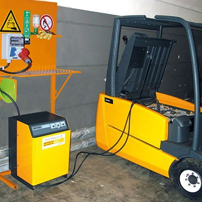 Forklift battery opportunity charge